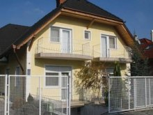 Apartman Somogy megye, Szépen berendezett gyermekbarát nyaraló 4 főre Balatonbogláron (BO-51)