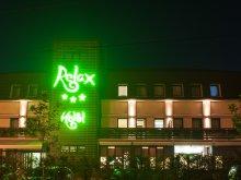 Hotel Rugetu (Mihăești), Hotel Relax