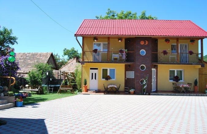 Sun & Moon Guesthouse Praid