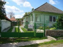 Cabană Erdőhorváti, Casa de oaspeți Éva