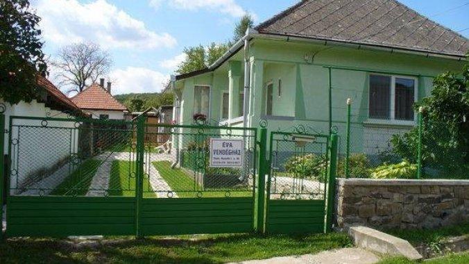 Casa de oaspeți Éva Füzér