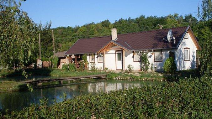 Édenkert Tavi House Varsád