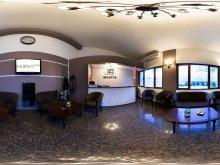 Accommodation Mușcel, La Strada Hotel