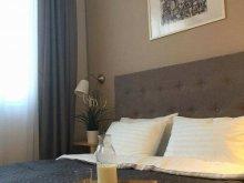 Hotel Urziceni, Camino Vila