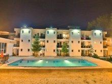 Accommodation Mamaia, Jijo's Hotel