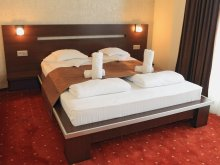 Accommodation Cut, Premier Hotel