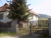 Cazare Tiszarád, Casa de oaspeți Kőrózsa