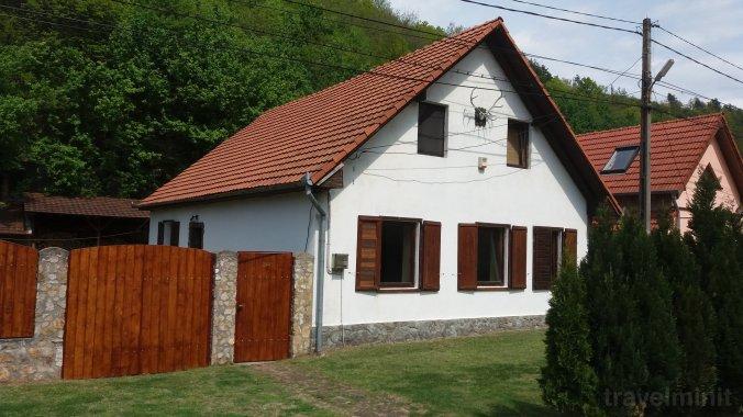 Casa de vacanță Nagy Sándor Sasca Montană