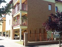 Cazare Alsóörs, Apartament Szandra