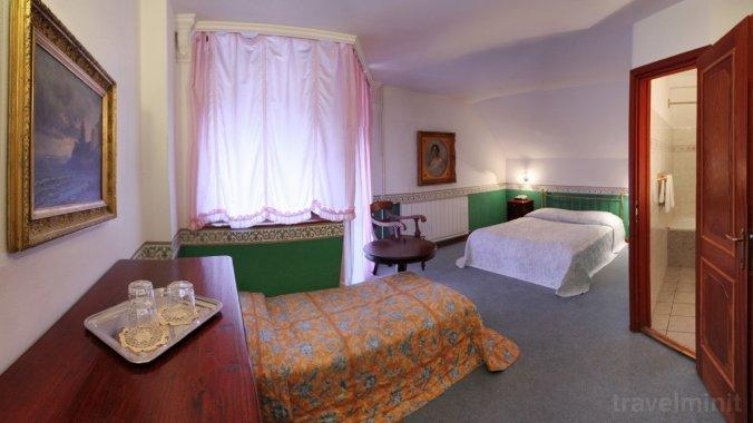 A. Hotel Pensiune 100 Szentendre