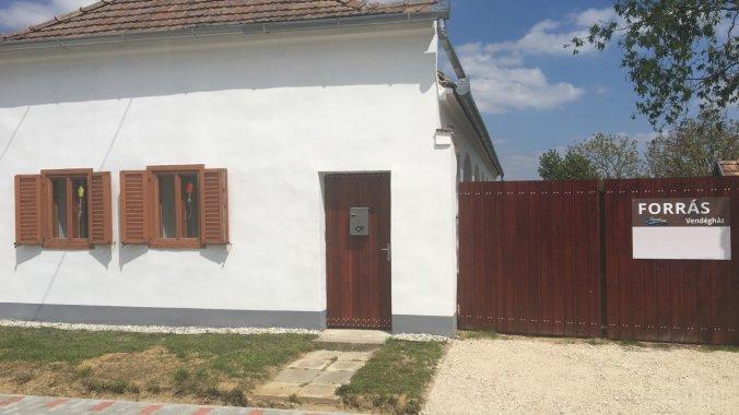 Forrás House Nagytevel