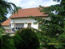 Cazare Magyarpolány, Casa de oaspeți Harmónia