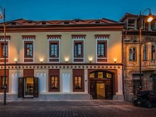 Villa Felsödetrehem (Tritenii de Sus), Teatro Panzió