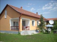 Casă de oaspeți Tiszatenyő, Casa Abádi Karmazsin