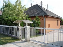 Cazare Zamárdi, K&H SZÉP Kártya, Casa de oaspeți Zoltán
