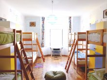 Accommodation Valea Cetățuia, Centrum House Hostel