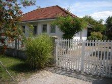 Casă de oaspeți Balatonszárszó, Casa de oaspeți Erdélyi