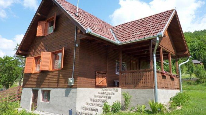 Ilyés Ferenc Guesthouse Sub Cetate