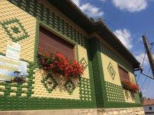 Casă de oaspeți Munţii Bihorului, Pensiunea Cuib de Barza