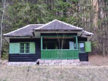 Travelminit accommodations, Medve Lak Chalet