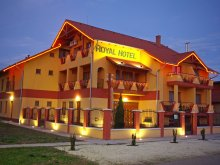 Accommodation Jász-Nagykun-Szolnok county, Royal Hotel