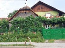 Casă de oaspeți Curteni, Casa de oaspeți Kádár