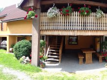 Cazări Travelminit, Casa de oaspeți Muskátli