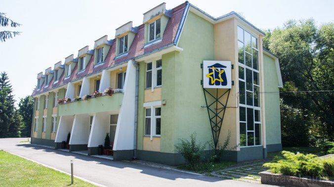 Education Center Árkos