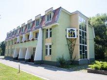 Panzió Szacsva (Saciova), Tichet de vacanță, Felnőttoktatási Központ
