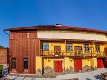 Cabană Băile Suseni, Cabana Aranypatkó 2