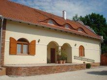 Casă de oaspeți județul Győr-Moson-Sopron, Casa Napvirág