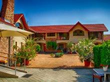 Accommodation Pusztaszer, Erdei Guesthouse