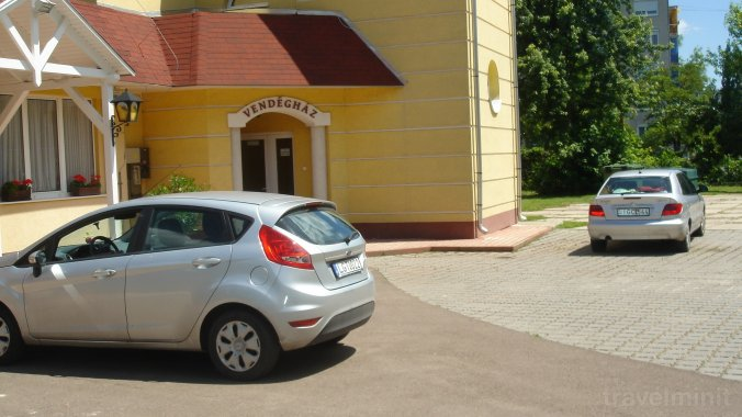 Invest Guesthouse Eger