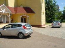 Pachet Rudolftelep, Casa de oaspeți Invest