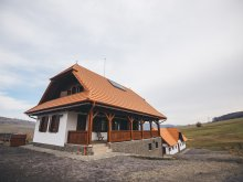 Kulcsosház Székelydobó (Dobeni), Szenttamási Kulcsosház