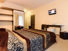 Pachet Samarinești, Hotel Holiday Maria