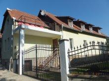 Vendégház Mermești, Négy Évszak