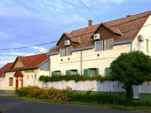 Guesthouse Tiszaroff, Unicum Guesthouse