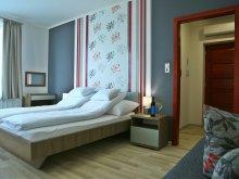 Accommodation Szedres, Sugó Pension