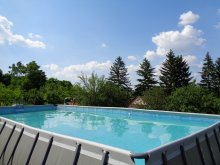 Bed & breakfast Balatonaliga, Tranquil Pines Static Caravan B&B