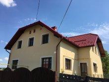 Panzió Felsöcsobanka (Ciubăncuța), Julia Vendégház