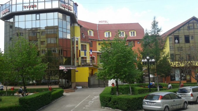 Hotel Tiver Aranyosgyéres