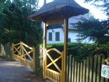 Casă de oaspeți Mosonudvar, Casa de oaspeți Csalogány Tábor