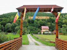 Accommodation Scrind-Frăsinet, Claudia Guesthouse