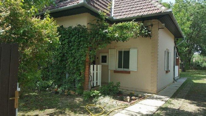 Szanazugi Vacation House Gyula
