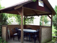 Chalet LB27 Reggae Camp Hatvan, Gabi Guesthouse V.