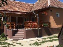 Apartament Nagyacsád, Casa de oaspeți Liliom