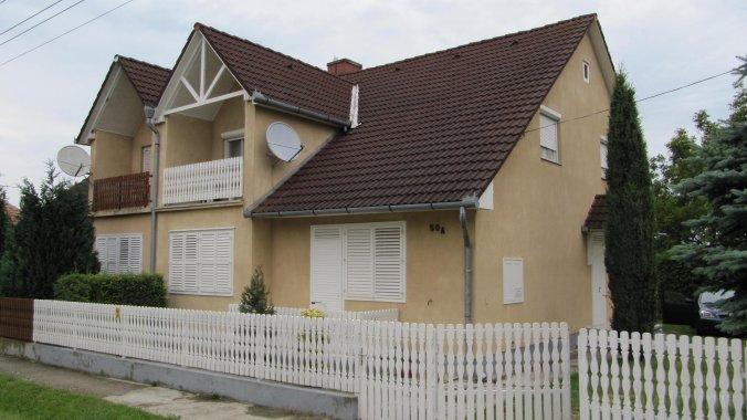 Balatoni 4-5 fős nyaralóház (KE-01) Balatonkeresztúr