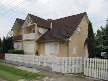 Nyaraló Zalaújlak, Balatoni 6-7 fős nyaralóház (KE-02)