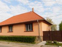 Casă de oaspeți Mőcsény, Casa de oaspeți Kápolnás